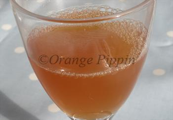 Fiesta apple tree juice
